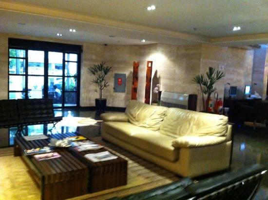 Royal Jardins Hotel: lobby