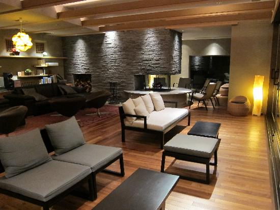 Takinoya: Lounge area