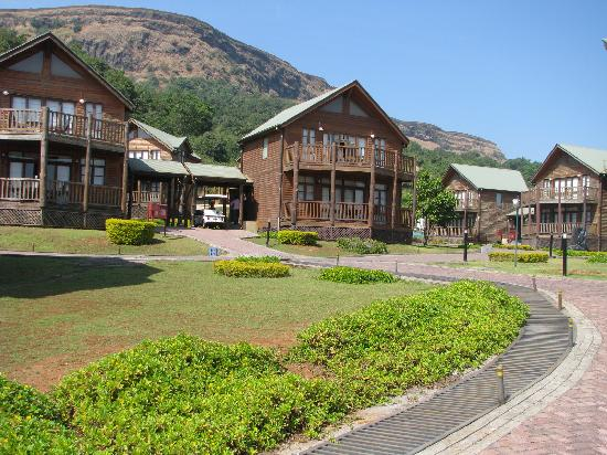 Aamby Valley City: Timber Chalet
