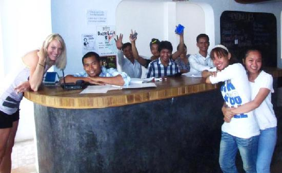 Eighty8 Backpackers: Picture of the awesome staff and I