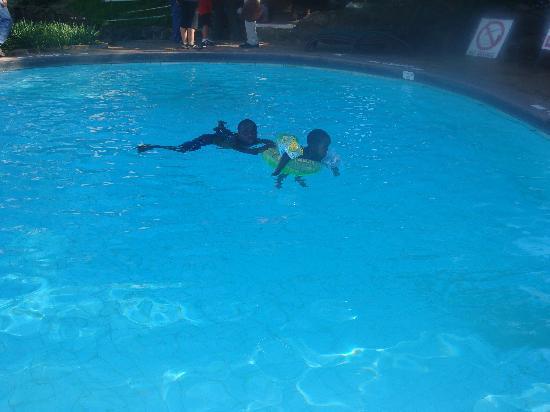 Mara Serena Safari Lodge: My son and I swimming