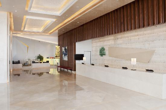 Holiday Inn Beijing Focus Square: hotel lobby