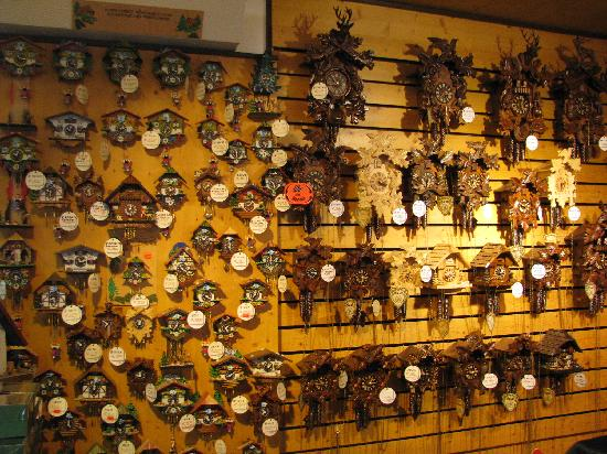 Titisee: Cuckoo Watches in all sizes and shapes