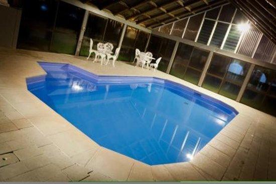 Econo Lodge The Villas: The Villas Indoor heated swimming pool