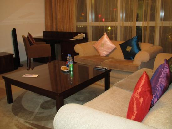 โรงแรมดุสิตเรสซิเด้นซ์ดูไบมารินา: lounge area