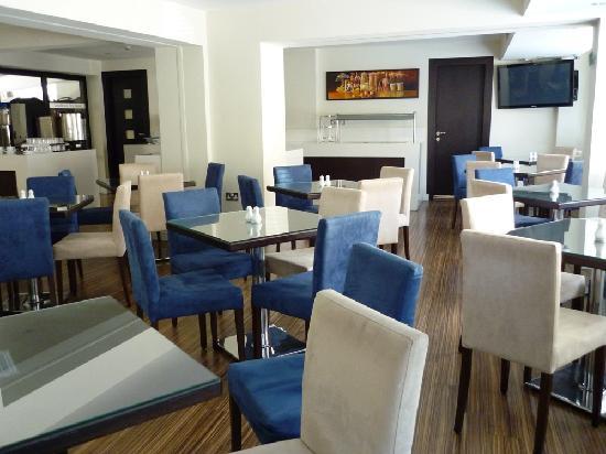 Livadhiotis City Hotel: Breakfast Area