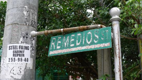 Remedios Circle: Even the street sign was in really bad shape.