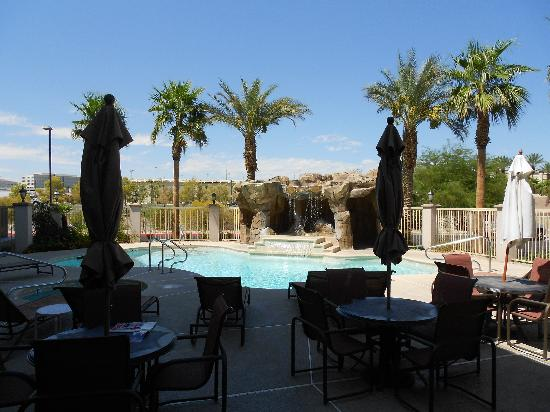 Comfort Inn & Suites Henderson: pool area