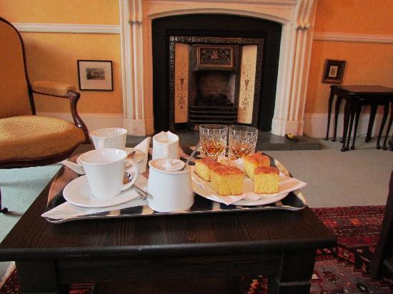 20 Albany Street: Afternoon tea
