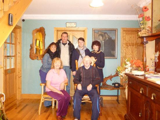 Enniscrone, Ierland: Martina, Eamon, Rebecca, Adrian, Ben and Zoe