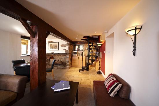 Horsley Lodge: barn cottage