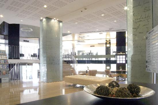 Hotel Alameda Plaza: Hall