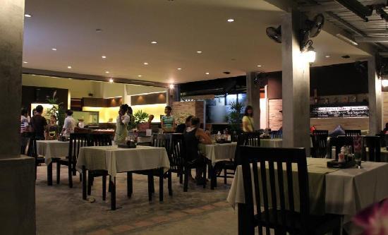 Sala Bua & Lo Spuntino Restaurant: Inside the restaurant