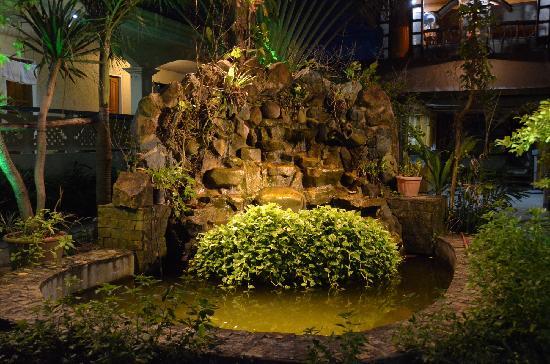 El Centro Beach Resort: garden