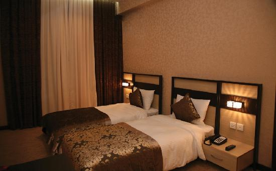 Days Hotel Baku: Twin Room