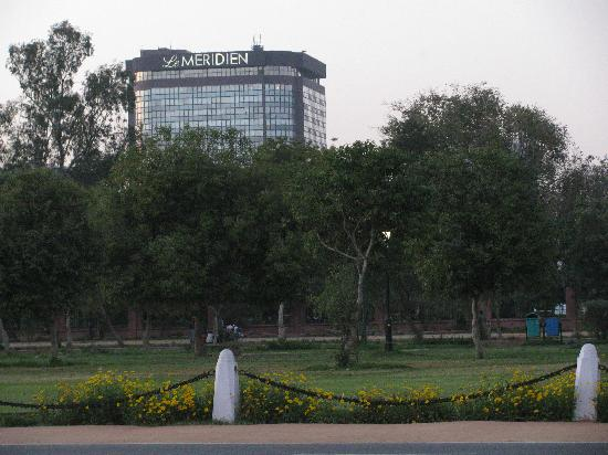 Le Meridien New Delhi: A short walk from the Rajpath