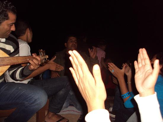 Sea Sun Hotel Dahab: Partying with new friends