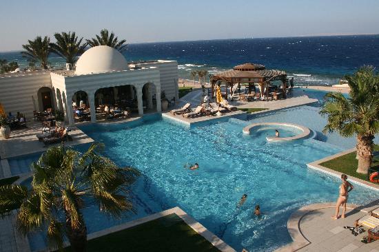 The Oberoi Sahl Hasheesh: the pool