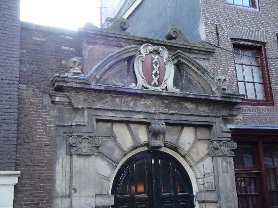 Amsterdam in World War II Walking Tour: XXX symbol of the city