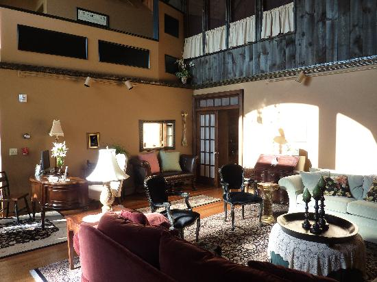 Haven By The Sea B&B Inn: The sitting hall