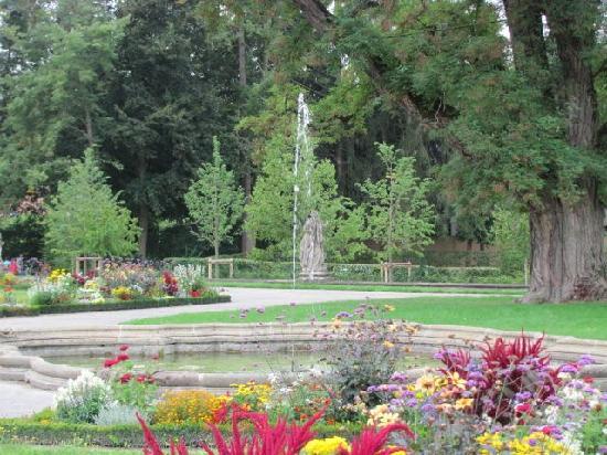 Hofgarten Veitshochheim: one of the many fountains