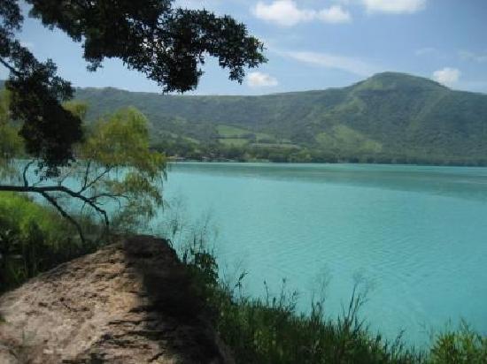 Santa Maria del Oro: Lakeside