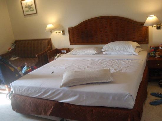 Comfort Inn Sunset: Nice Bed