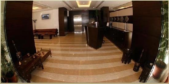 The Parisian Hotel: lobby