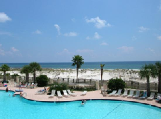 The Beach Club Resort & Spa: clubhouse pool and beach