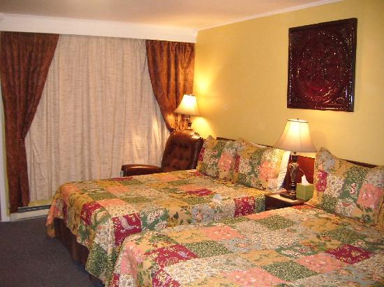 Starlite Motel: cheerful rooms