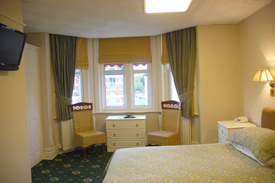 Hunters Lodge: Bedroom shot 2