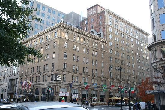 Hotel Harrington: Vista exterior