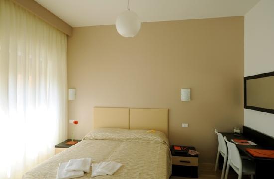 Honey Rooms: camera matrimoniale