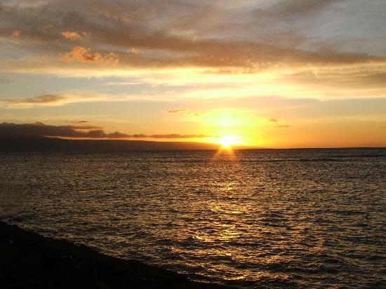 Kahana Reef: Kahana sunset