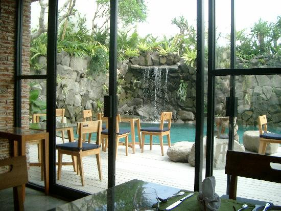 Maca Villas & Spa: Restaurant-Pool