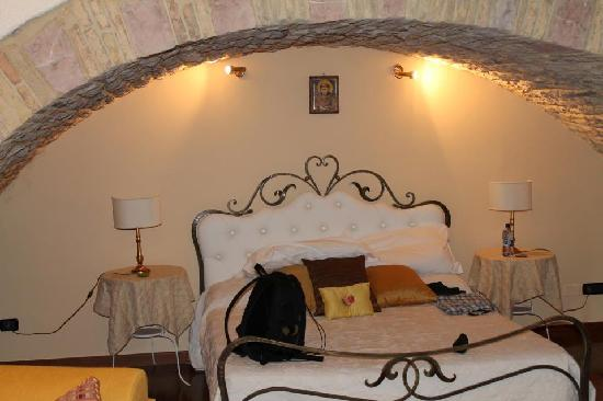 Hotel Lieto Soggiorno: great sleep, amongst old stones