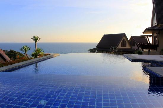 Baan KanTiang See Villa Resort (2 bedroom villas): Pool view