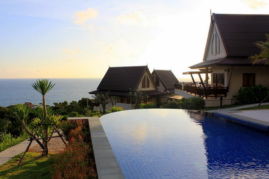 Baan KanTiang See Villa Resort (2 bedroom villas): :-)