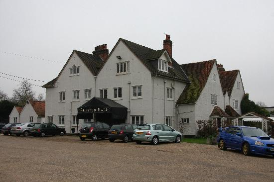Prested Hall Hotel: Hotel Front