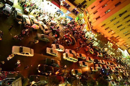 Gad: busy street