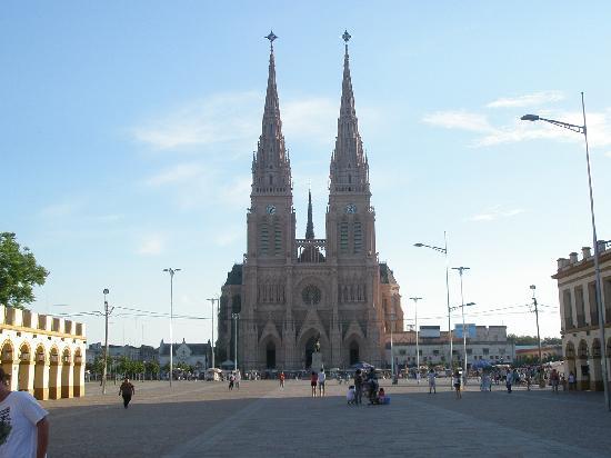 La Basilica: Basilica de Lujan