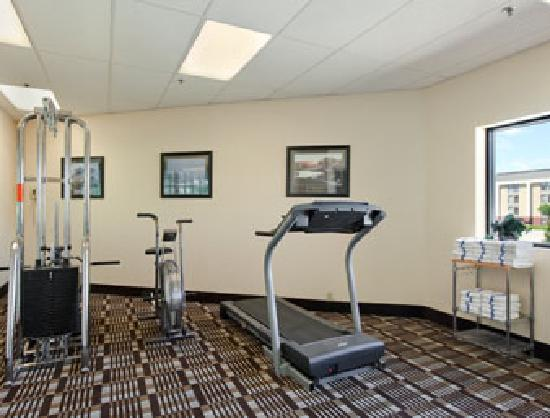 Days Inn & Suites Des Moines Airport: Best Fitness Room