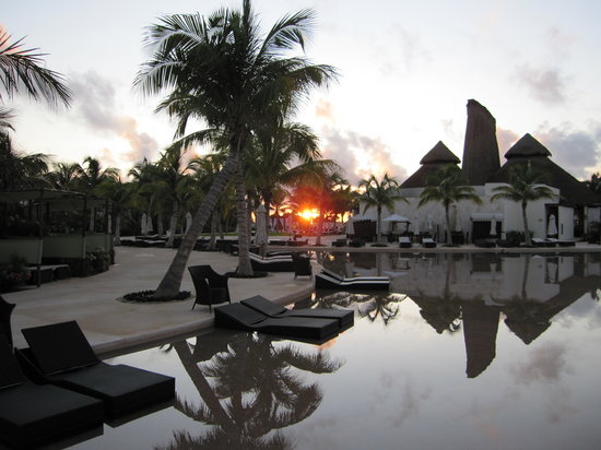 Secrets Maroma Beach Riviera Cancun: Sunset and Pool Deck
