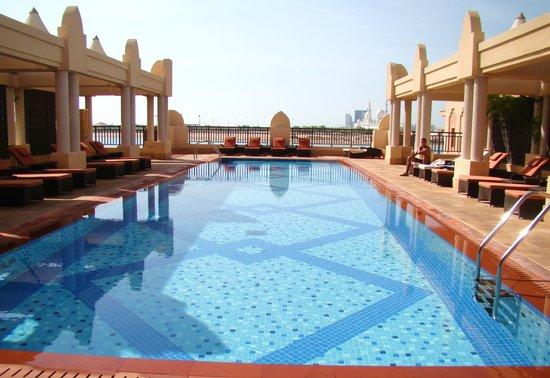 Shangri-La Hotel, Qaryat Al Beri, Abu Dhabi: Roof top pool
