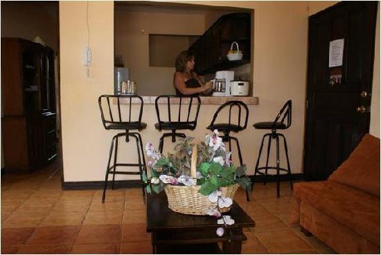 Villas Jinesta: desayunador de los apartamento superior