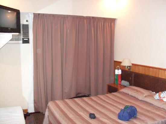 Hotel Napoleon: Quarto casal - Quinto andar