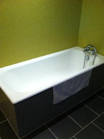 Relais De La Mothe: Great for long baths!