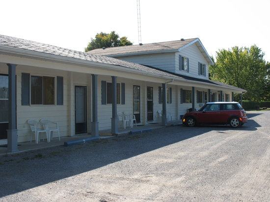Fenelon Falls, Canadá: External view of Stone Fountain Motel