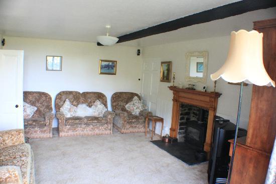 Alscott Barton: Loungeroom
