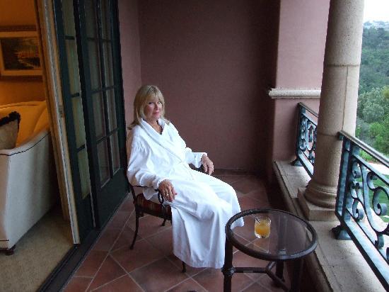Fairmont Grand Del Mar: Enjoying our spacious balcony